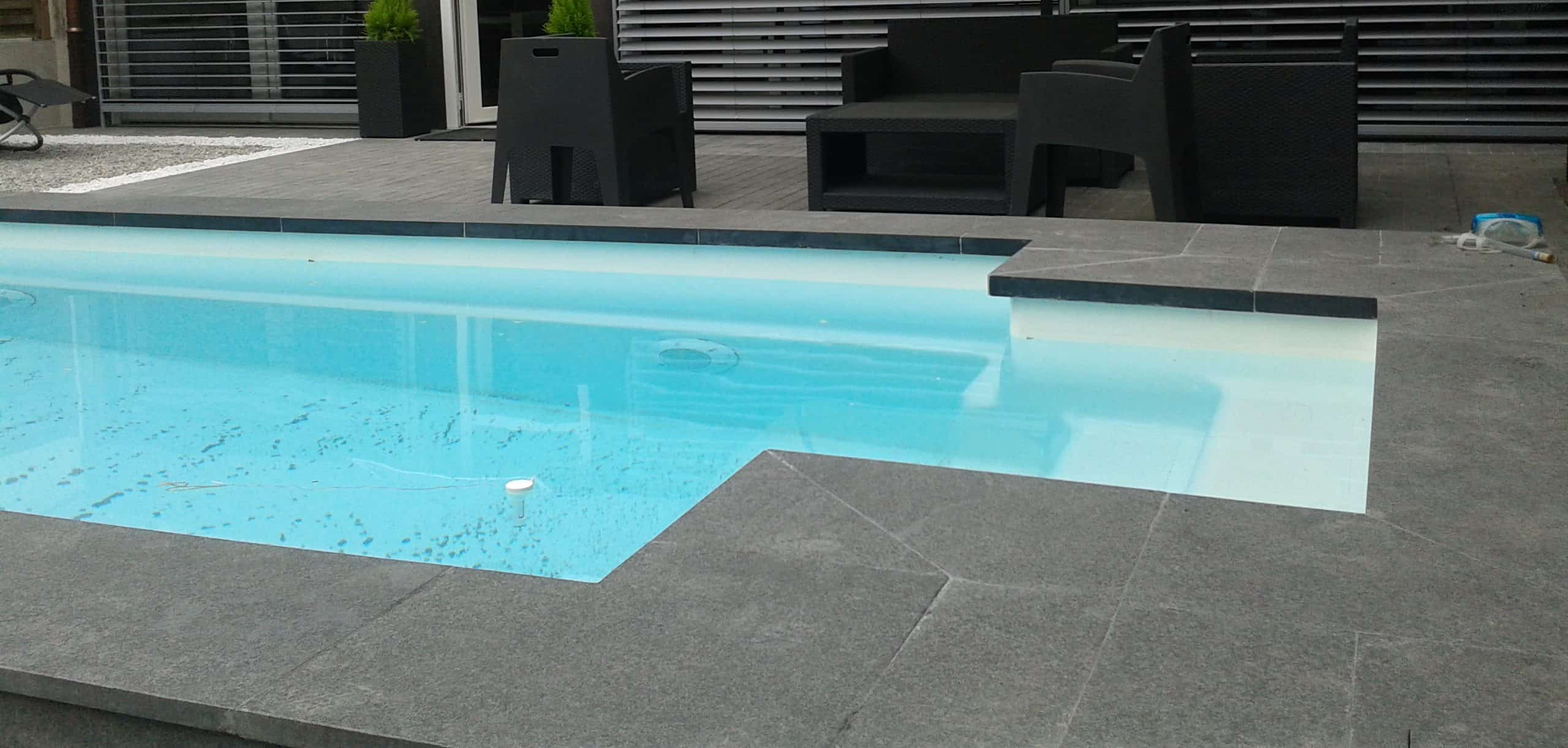 Piscine coque dalle anthracite